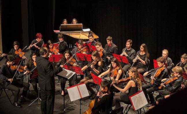 La Sinfonietta da la nota