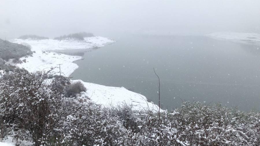La nieve reina en la provincia
