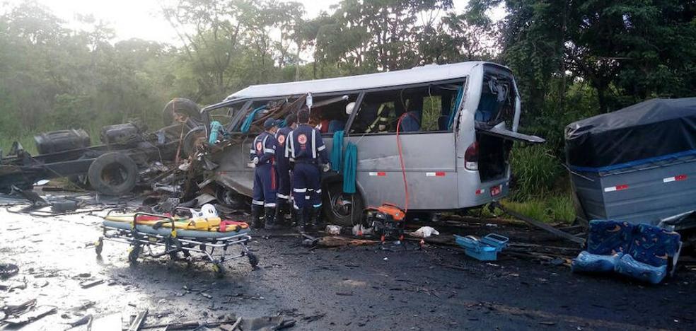 13 muertos y 39 heridos en un accidente de tráfico en Brasil