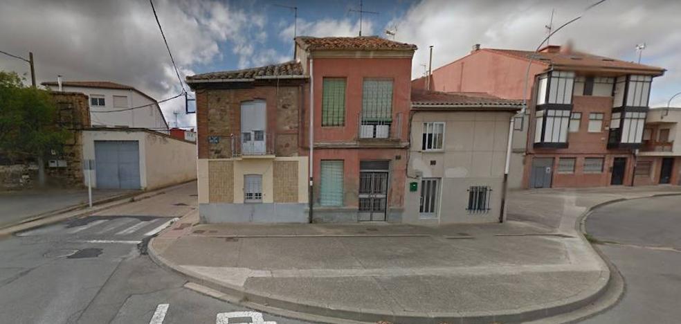 Fallece un varón y una mujer requiere atención médica por una intoxicación de gas en una vivienda de Astorga