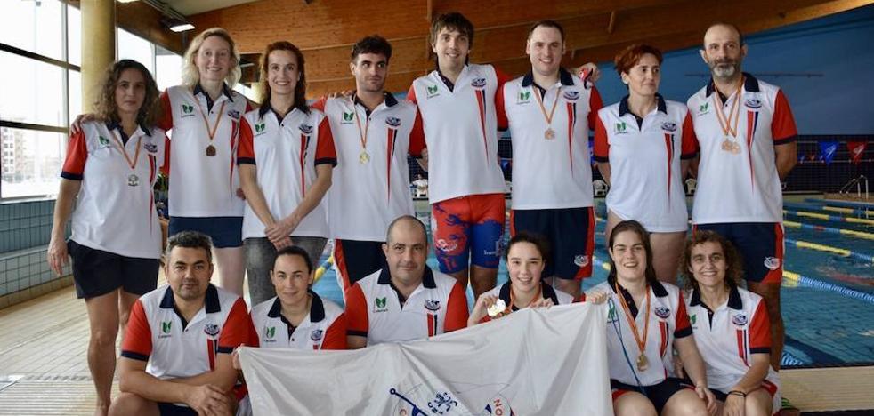 Catorce medallas para el CN León en el V Open Castilla y León Master de Invierno