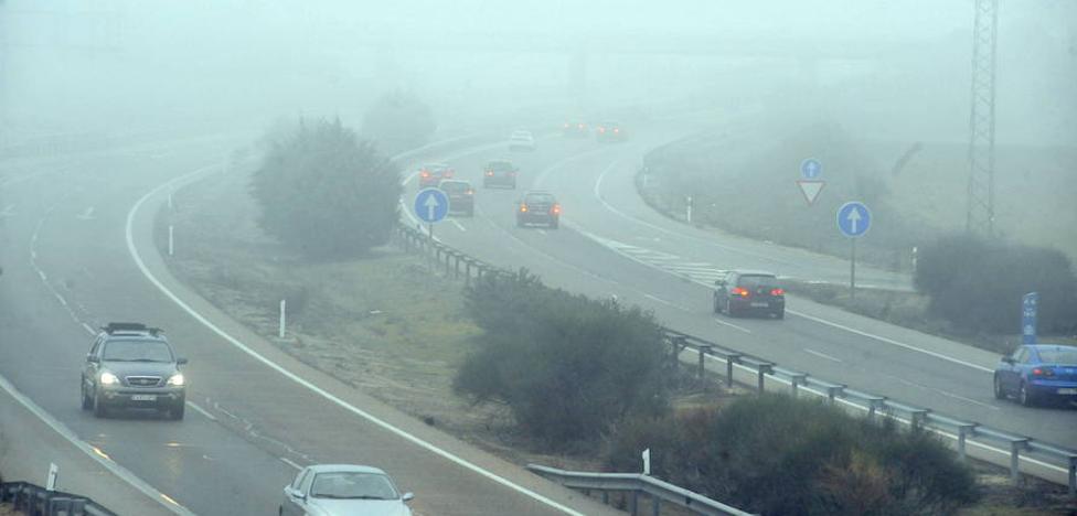 La niebla complica el tráfico en varios tramos de la red principal en Burgos, Valladolid, Palencia, Segovia y Zamora