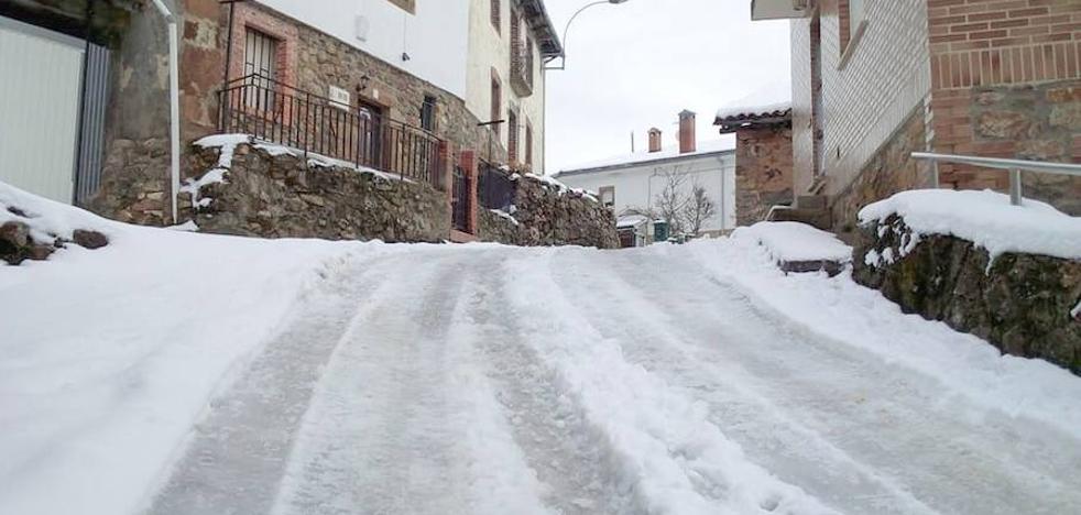 Los vecinos de Ferreras del Puerto denuncian el estado del pueblo tras la nevada del fin de semana