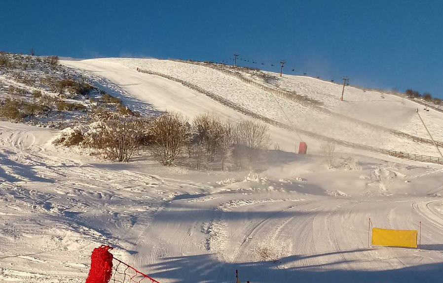 La nieve se asoma a Laciana