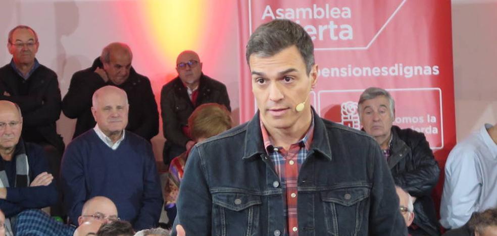 Pedro Sánchez se compromete en León a que si gobierna «la banca pagará parte de las pensiones»