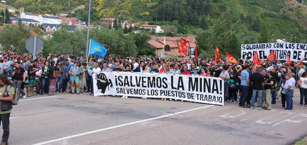 Castilla y León, Asturias y Aragón buscan un frente común en defensa del carbón y las térmicas