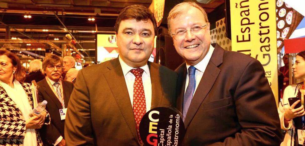 Alcalde de Huelva: «León se convertirá en el escaparate de la gastronomía española»