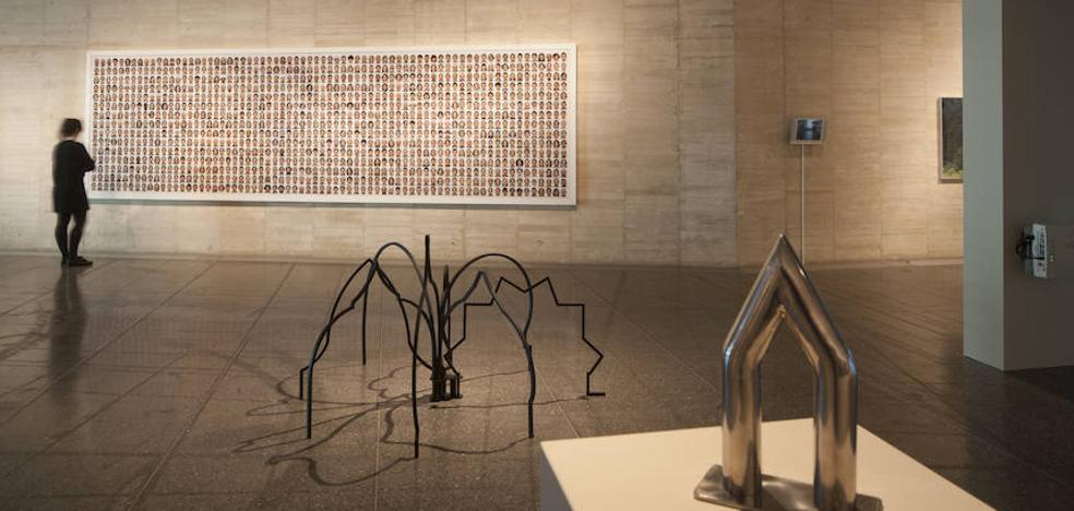 El arte contemporáneo mira al Camino de Santiago en el Musac