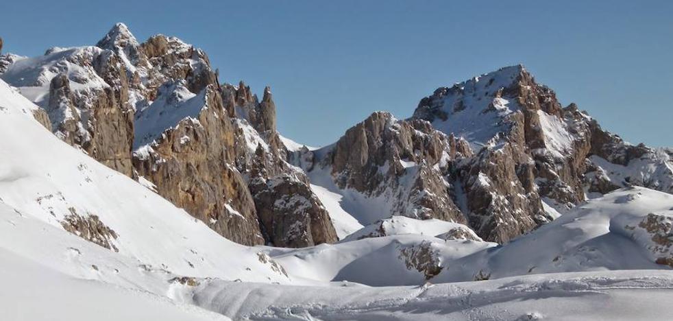 Baja el peligro de aludes este fin semana en Picos de Europa