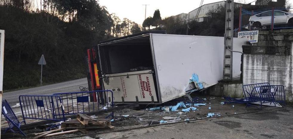 Nueve personas fallecen en las carreteras en el fin de semana, tres de ellos motoristas