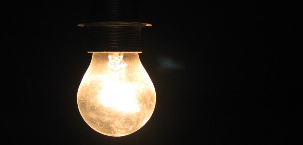 Cerca de 30.000 hogares se pasan al mercado libre por el alza del precio de la luz