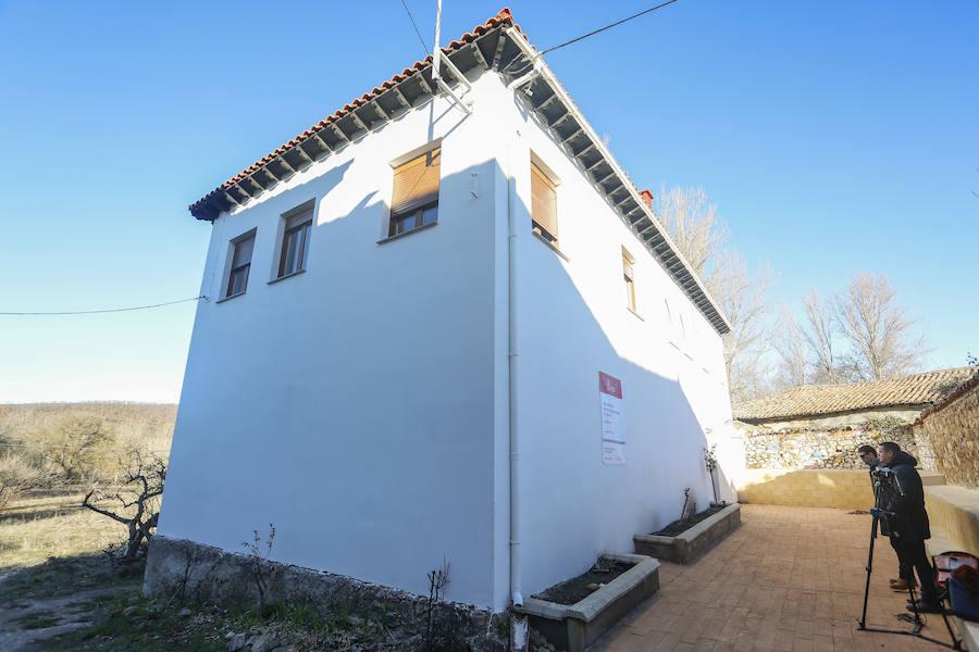 Suárez-Quiñones visita una vivienda rehabilitada para alquiler social en Vidanes