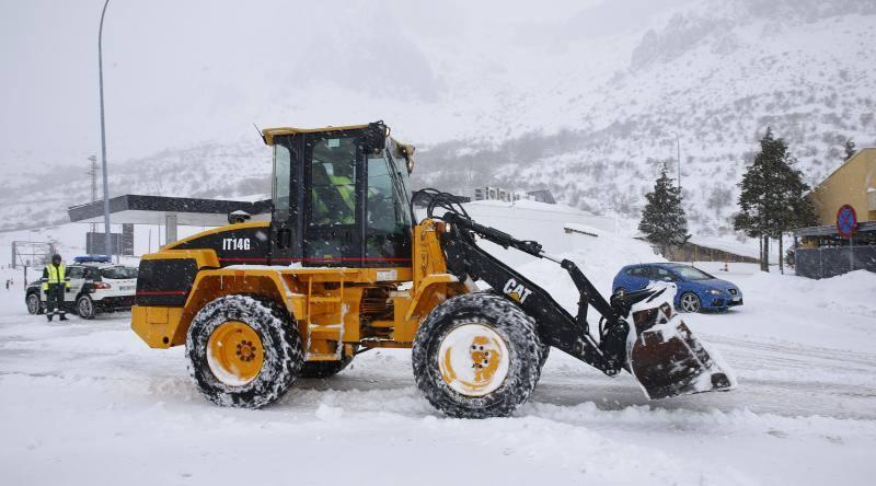 Mañana complicada en el Huerna por la nieve