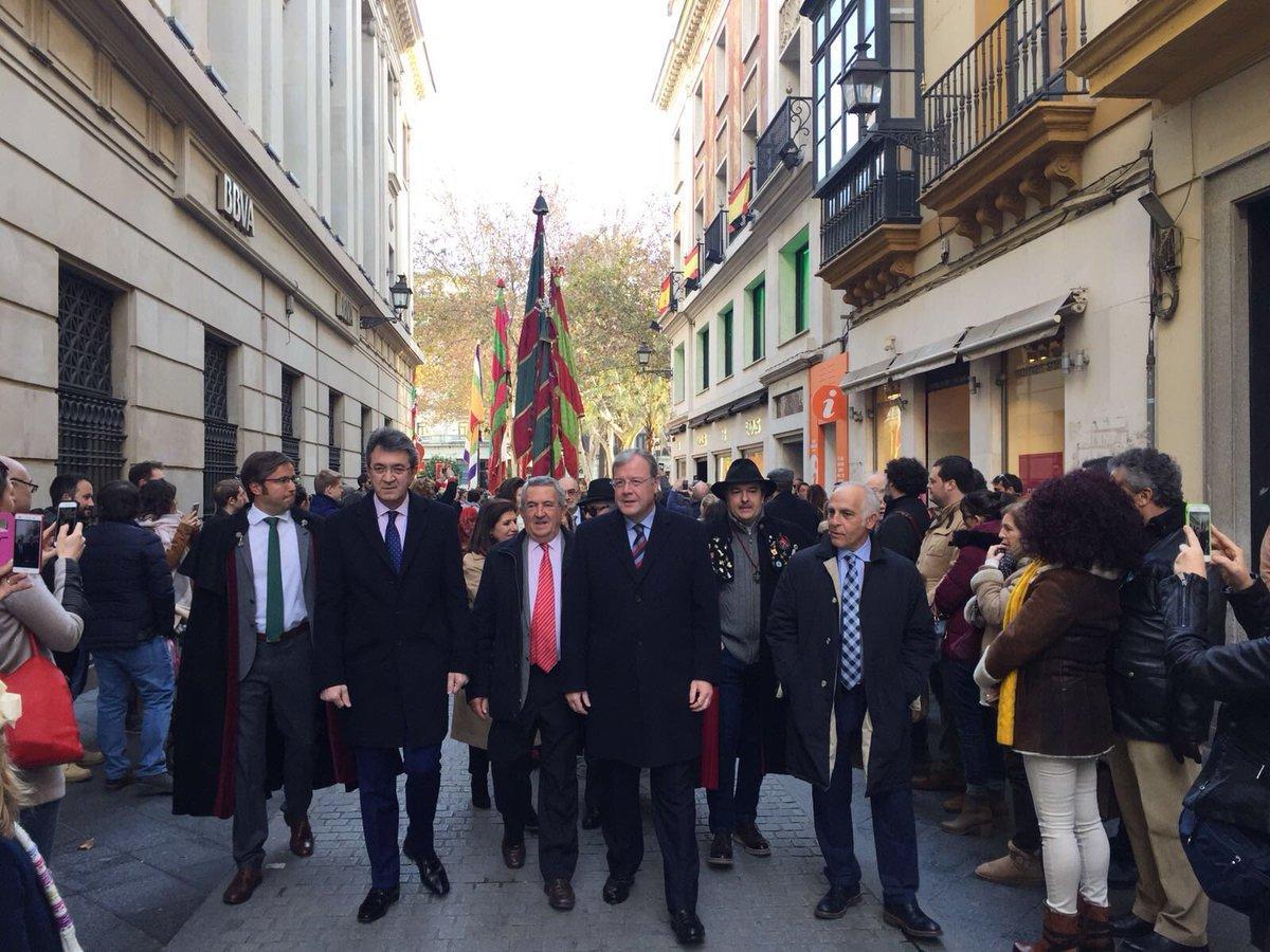 Los pendones triunfan en Sevilla