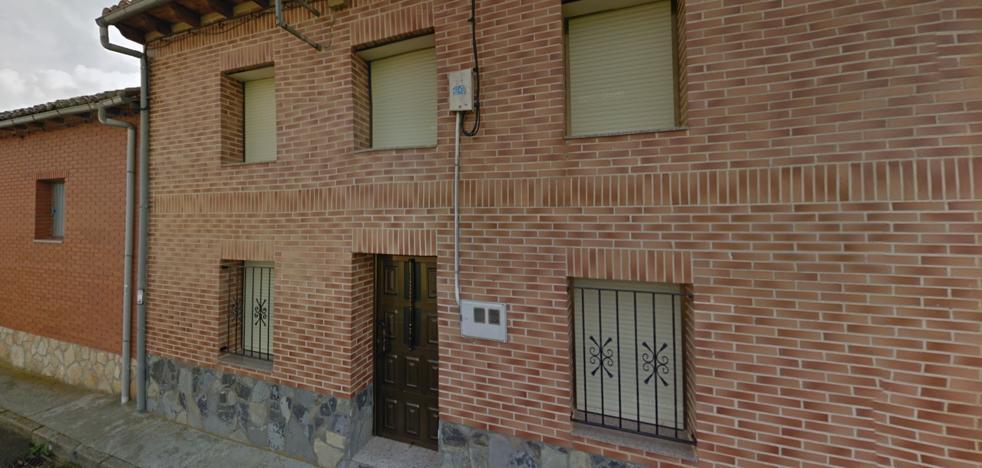 Fiscalía pide 23 años de cárcel para el joven que mató a una anciana en El Burgo Ranero y prendió fuego a su casa