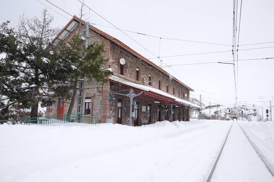 Estado de la línea férrea entre León y Asturias