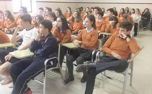En el Colegio Divina Pastora se habla de las acciones de Manos Unidas
