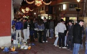 Nueve denuncias por practicar 'botellón' y tres por orinar en la vía pública en Carnaval