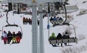 Las Estaciones de Esquí de León reciben en el puente de Carnaval a cerca de 9.000 esquiadores
