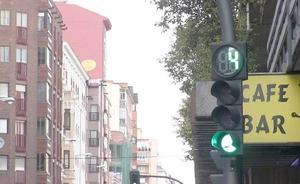 Los descontadores de segundos ya están instalados en los semáforos que cuentan con foto-rojo en León