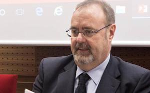 Rey confía que la convocatoria de 1.200 plazas para profesores de Secundaria sirva para «consolidar a los interinos»