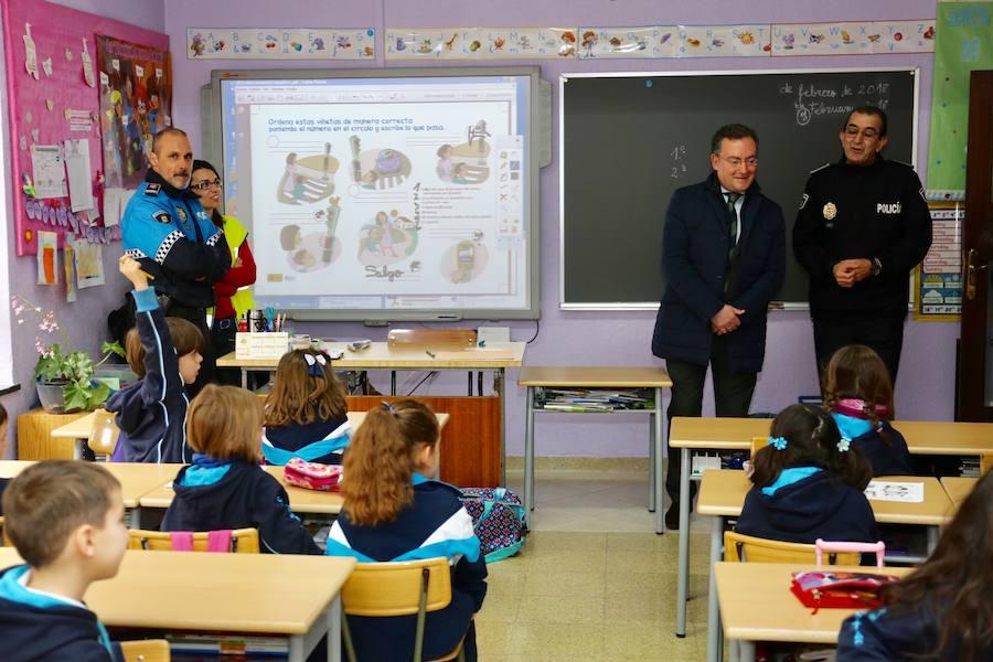 Fernando Salguero presenta la campaña 'Camino seguro al colegio'