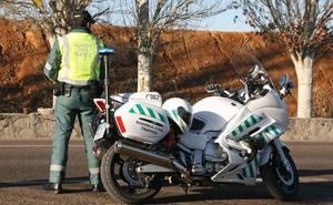 La Guardia Civil investiga al conductor de un camión que sextuplicaba la tasa de alcohol en Barrios de Luna
