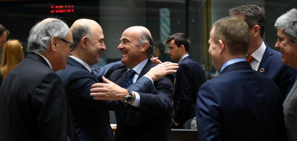 Guindos: «La normalización monetaria debe ir acompasada con la recuperación»