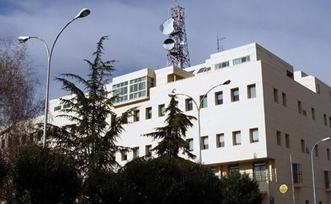 Ana Zapico ofrece una muestra antológica en el edificio principal de Correos en León hasta el 15 de marzo