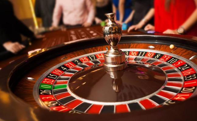 La plantilla del Casino Conde Luna se moviliza para exigir mejoras laborales