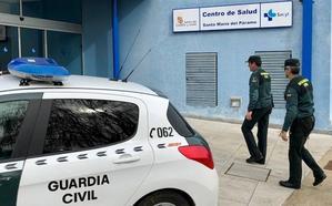 Una mujer detenida por delitos de hurto y estafa en el centro médico de Santa María del Páramo