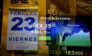 El Ibex-35 le gana el pulso al desplome de Inditex y salva los 9.800