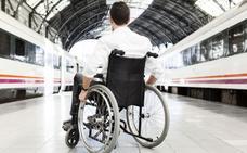 Viajar de León a Irún en tren, 'misión imposible' para las personas con movilidad reducida