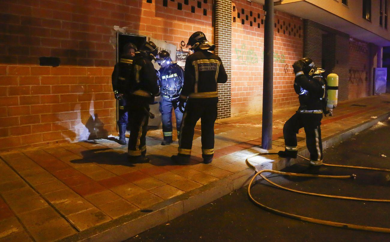 Fuego en un local en León