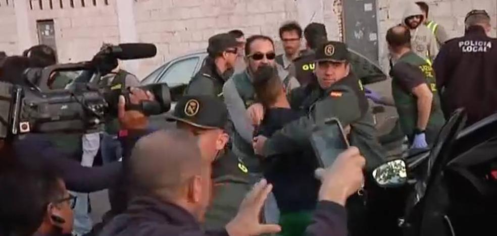 Intentan agredir a Ana Quezada tras el registro en su vivienda de Vícar