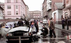 Testigos del atentado contra el comandante Cortizo: «Sólo quedó el chasis y las cuatro ruedas, lo demás estaba reventado»