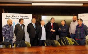 El secretario general de UGT destaca el trabajo en pro de la «estabilidad laboral» en el Ayuntamiento de León