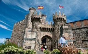 Un programa de empleo dotará de mobiliario de época al Castillo de los Templarios