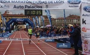 Sergio Sánchez y Álex Martínez lideran una Media Maratón con más de 5.000 inscritos