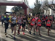 Más de 5.000 almas deportivas conquistan León en la Media Maratón