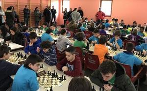 Valverde de la Virgen se impone en el provincial de ajedrez escolar