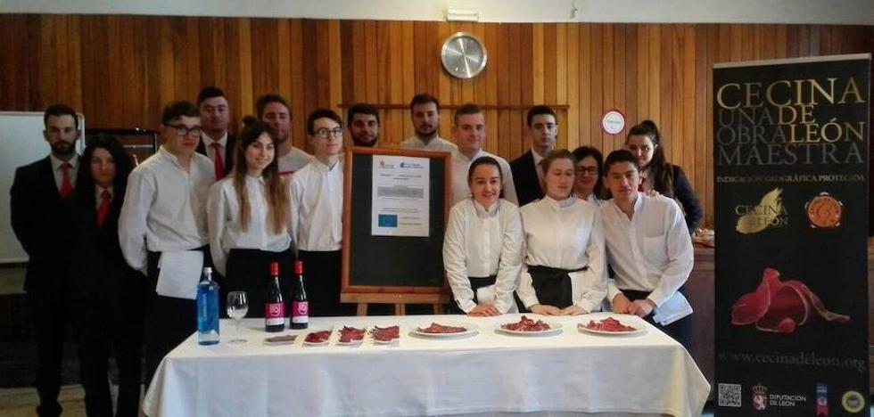 'Cecina de León' abre su ronda de catas a los futuros hosteleros y restauradores