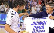 El concejal de Deportes ve «merecidísimo» el premio a Juanín