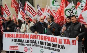 La Policía Local de León inicia sus movilizaciones para reclamar el anticipo de la jubilación a 60 años