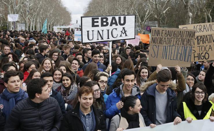 Los estudiantes de Castilla y León piden una EBAU justa en Valladolid