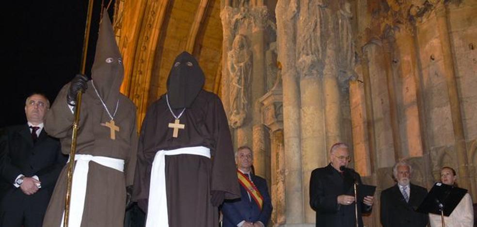 La Cofradía del Santo Cristo del Perdón indultará en León al autor de un delito de tráfico de drogas