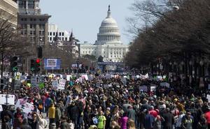 Los estudiantes toman las calles de EE UU contra el libre acceso a las armas