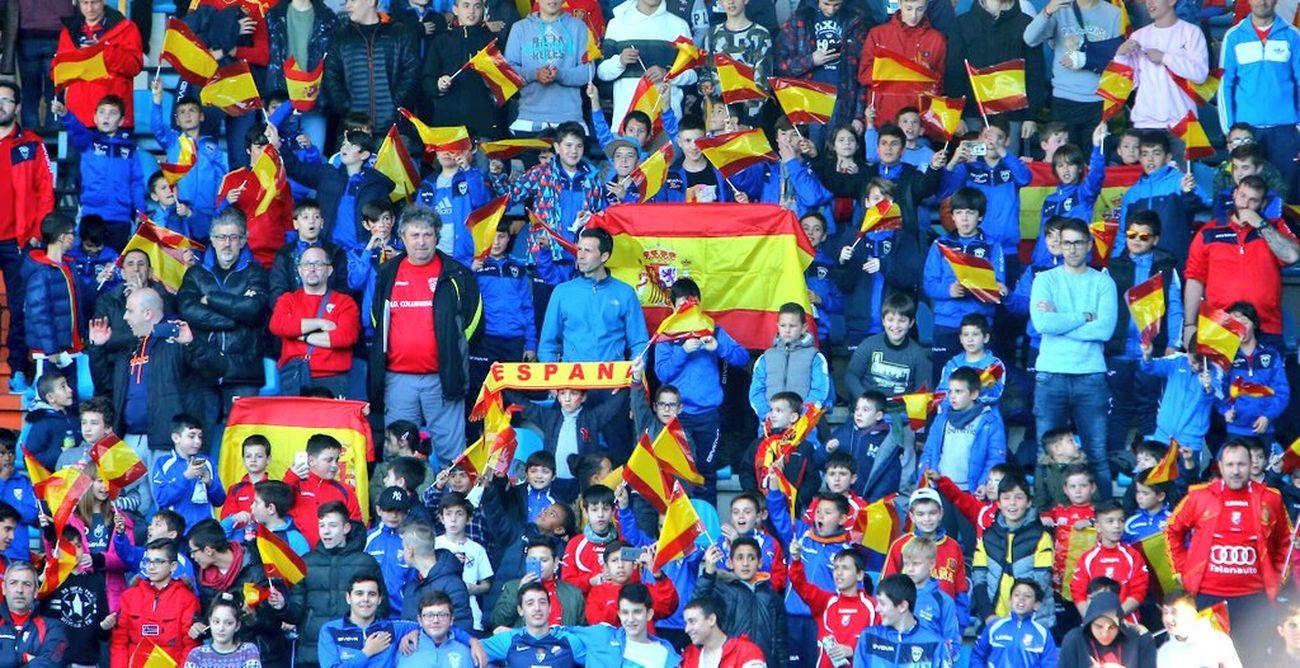 España golea en El Toralín