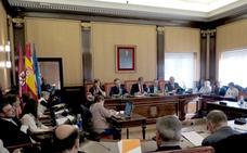 León pedirá a la Junta que prohíba exponer animales en escaparates y que endurezca la normativa
