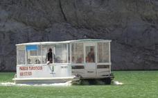 En barco por los 'fiordos leoneses'